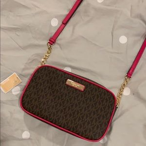 Michael Michael Kors Crossbody Purse (BRAND NEW)